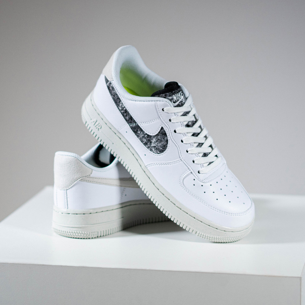 Nike-Air-Force-1-07-SE-Wool-DA6682-100